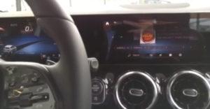 Mercedes, čo si myslíš o BMW? Inteligentný systém si so zákernou otázkou poradil bravúrne