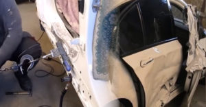 Skoro ako nové! Oprava bočnej strany havarovaného BMW 7