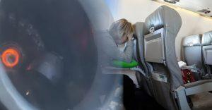 Cestujúci zažili v lietadle naozaj krušné chvíle. Mnohí písali svojim blízkym a lúčili sa s nimi