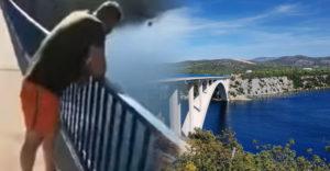 Muž sa na dovolenke v Chorvátsku rozhodol, že skočí z mosta do vody. Po páde zo 40 metrov ho ratovali záchranári