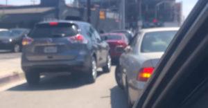 Najlepší spôsob, ako v dopravnej zápche zmeniť jazdný pruh