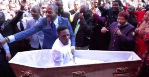 Africký kňaz zázračne vzkriesil mŕtveho muža