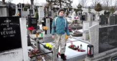Súci na polepšovňu! Českí fagani ničili cintorín a skákali po hroboch.