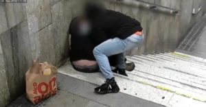 Zaspať na hlavnej železničnej stanici v Brne sa nevypláca. Páchateľov policajti zadržali