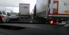 Vodič kamiónu na diaľnici zablokoval záchranárov