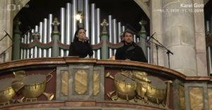Lucie Bíla zaspievala Ave Maria na pohrebe Karla Gotta (Dojemná rozlúčka)