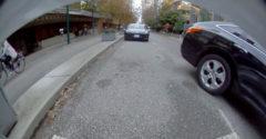 Ako určite NEparkovať pozdĺžne