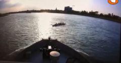 Päť veslárov si myslelo, že majú čas prejsť pred veľkou loďou