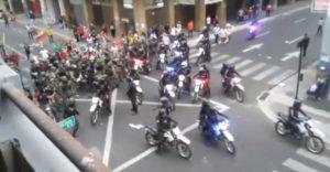 Snažili sa ochrániť protestujúcich (Vojsko vs. Polícia)