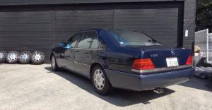 Na starý Mercedes dal výfuk za 12 000 dolárov. Zvuk sa podobá monopostom F1