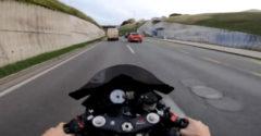 Motorkár zverejnil video na ktorom jazdí ako blbec. Polícia mu uložila pokutu 134 000 €