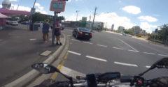 Sledoval sukne namiesto premávky (Samozrejme nabúral)