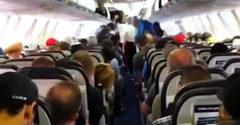 Keď z lietadla vystupujú Kanaďania (Iný kraj, iný mrav)