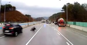 Z diaľnice sa stalo klzisko. Smrťka ho pri hromadnej nehode naháňala hneď niekoľko krát