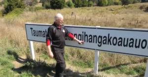 Predstavil najdlhší názov kopca na svete (Nový Zéland)