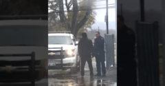 Päsťou udrel policajta do tváre. Ten na útočníka vypustil cvičeného psa