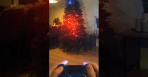Na vianočný stromček si nainštaloval legendárnu hru Snake