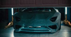 Lamborghini vymenilo Aventador za repliku, ktorú staval otec so synom v garáži (Vianočné prekvapenie)