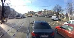 Nejeduj rumunského vodiča električky, ktorého nepoznáš (Frajer s BMW)