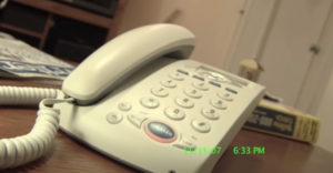 Ako vytrápiť otravného tele-marketéra jedným slovom