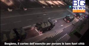 Armádny konvoj odoberá nebožtíkov pohrebným ústavom. Nemajú šancu držať krok s chorobou (Zostaňte doma)