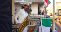 Karanténa v Taliansku s ikonickou skladbou Bella Ciao (Rozprašovač na koronu)