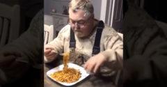 Chlapík našiel geniálny spôsob ako jesť špagety (Nápad z budúcnosti)