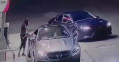 Dievča ubránilo svoje auto pred zlodejmi (Skvelá reakcia)