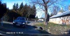 Ako dokáže magor na Mercedese vytvárať zbytočné problémy (Komplikácie na úzkej ceste)
