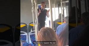 Cestujúcim vysvetlil portugalský zákon, ktorý musia pre prežitie dodržať. Komu sa nepáči, tam sú dvere