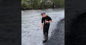 Ako sa chytajú ryby na Aljaške (Profi mladík)