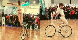 Sympatická slečna predviedla svoje perfektné vystúpenie na bicykli