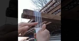 Ako odtrhnúť lepiacu pásku rukami? Ide to celkom jednoducho