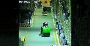 Zaspal v práci na vozíku (Najdrahšie zdriemnutie)
