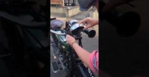 Zapínanie svetiel na motocykli z roku 1924 (Klasika je klasika)