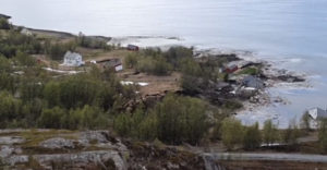 Voda si vzala 600 metrov pôdy spolu s domami (Nórsko)