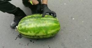 My nič pán policajt, my vezieme len melóny (Nečakaná razia)