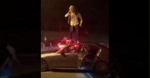 Pozri ako skočím zo strechy (Kamoš mu nadelil)