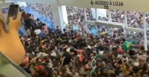Šialenstvo pri otváraní obchodného domu v Brazílii (Korona zadarmo)