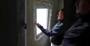 Keď vám okná v dome montuje na slovo vzatý odborník (Fušer roka)