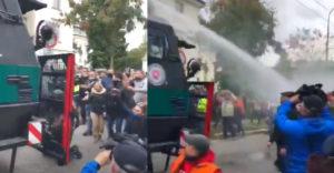 Protest proti vláde Igora Matoviča v Bratislave (Zásah policajtov)