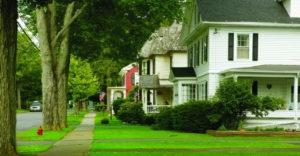 Dôvod, prečo ľudia žijúci na amerických predmestiach nemajú pred svojimi domami žiadne ploty ani brány