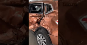 Šikovný klampiar vyklepal auto súce do lisu (Totálka)