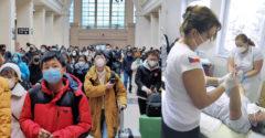 Čína sa chce zbaviť zodpovednosti. Tvrdí, že koronavírus môže pochádzať aj z Čiech