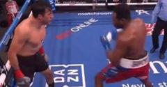 Boxer najskôr provokoval, potom chytal takú, že vypadol z ringu