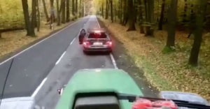 Vybrzďovač dostal od traktoristu len to, čo si zaslúžil