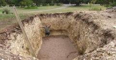 Susedia sa čudovali, prečo vykopal v záhrade veľkú jamu. Po niekoľkých dňoch mu jeho nápad obdivovali
