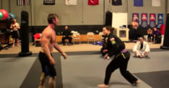 Kulturista vs. Jiu-Jitsu bojovník (Dostal na frak)
