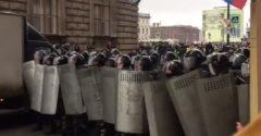 Ruská polícia sa snaží zastrašiť demonštrantov (Nevydalo)