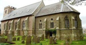Manželia si kúpili opustený kostol a prerobili ho na rodinný dom
